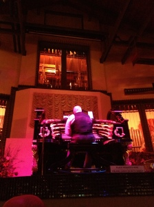 Organ Stop Pizza! This man was incredible at playing the organ!